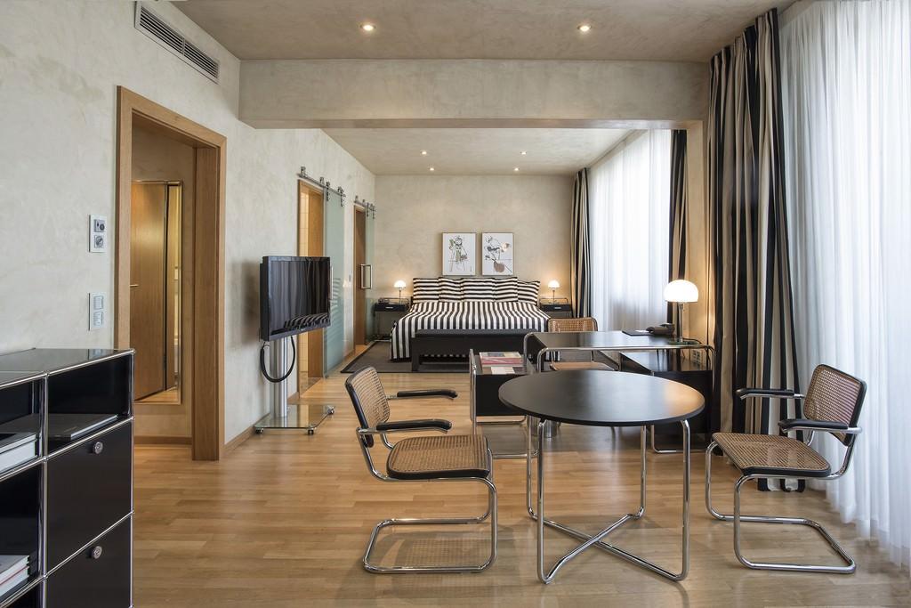 suiten heckers hotel kurf rstendamm boutique hotel. Black Bedroom Furniture Sets. Home Design Ideas